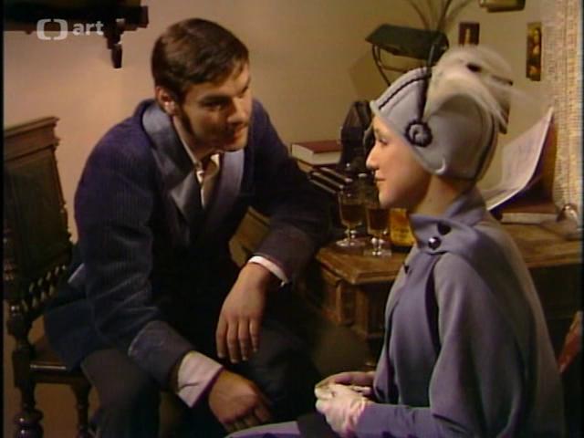 Jaroslav Drbohlav and Milena Steinmasslová in Co je platno kárat, co je platno kázat (1977)