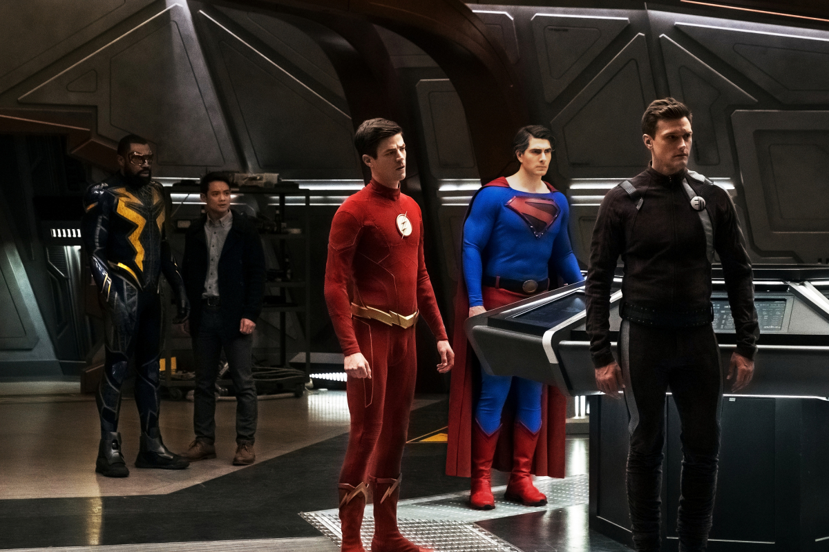 Brandon Routh, Cress Williams, Osric Chau, Grant Gustin, and Hartley Sawyer in The Flash (2014)