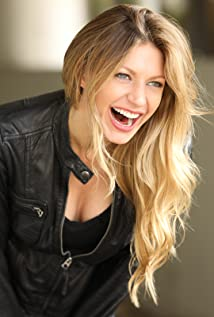 Jes Macallan Picture