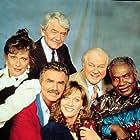 Marilu Henner, Burt Reynolds, Ossie Davis, Charles Durning, Hal Holbrook, and Elizabeth Ashley in Evening Shade (1990)