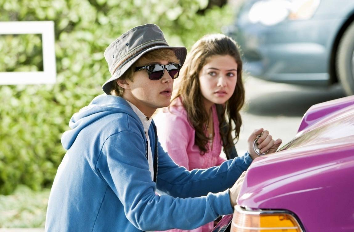 Sterling Knight and Danielle Campbell in StarStruck (2010)