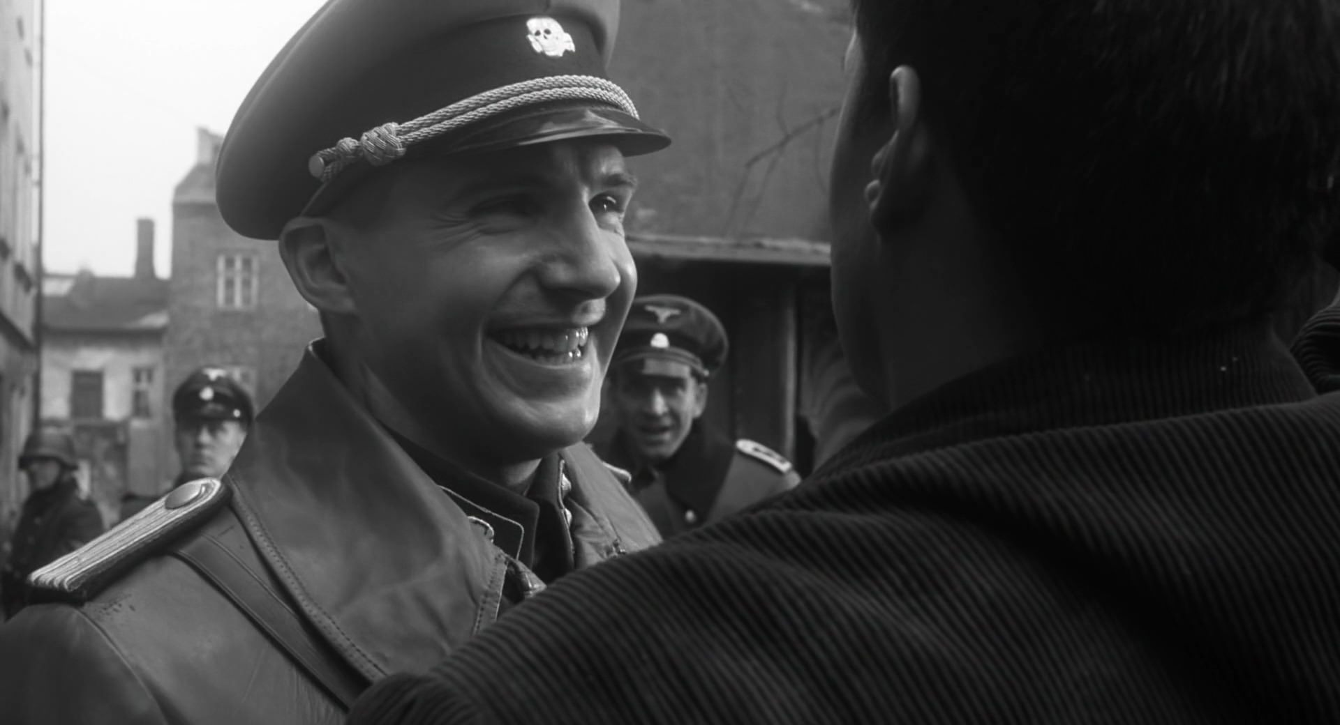 Ralph Fiennes and Jonathan Sagall in Schindler's List (1993)
