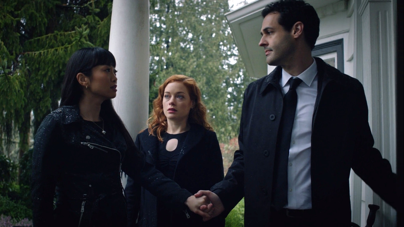 Andrew Leeds, Jane Levy, and Alice Lee in Zoey's Extraordinary Playlist (2020)