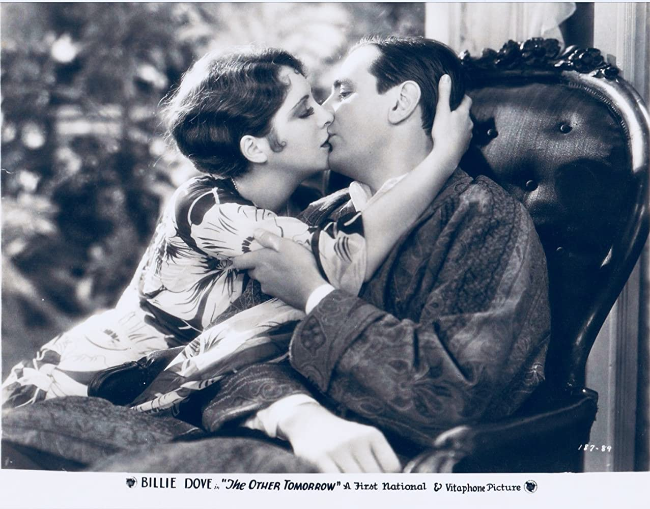 Karla Monroig,Leslie Mann Erotic pics Myrna Hansen,Emma Henry (?1986)