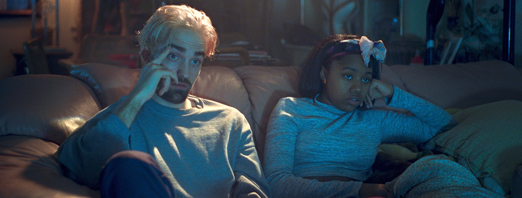 Robert Pattinson and Taliah Webster in Good Time (2017)