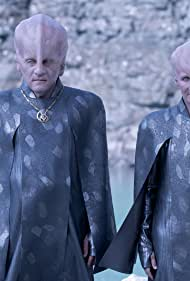 Rob Brownstein and Dee Pelletier in Star Trek: Discovery (2017)