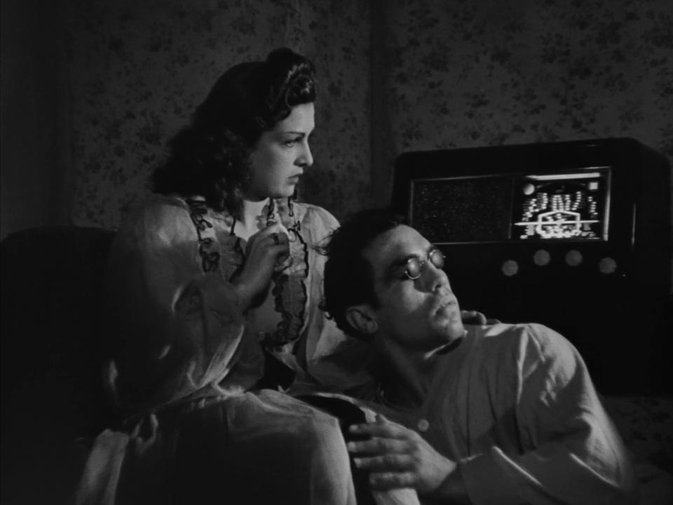 Jean Despeaux and Huguette Vivier in L'assassin habite... au 21 (1942)
