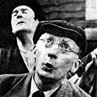 Julien Guiomar and Lucien Raimbourg in Spectacle d'un soir (1964)