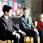 Joseph Mazzello and Ian Michael Smith in Simon Birch (1998)