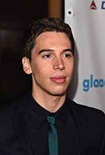 Jordan Gavaris Picture