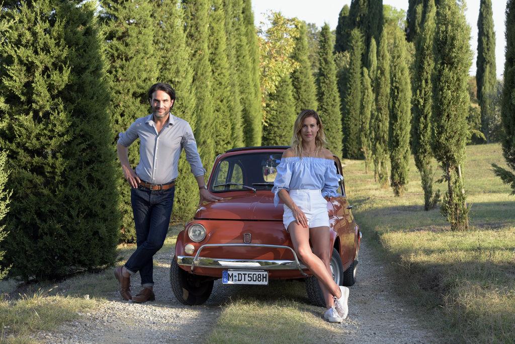 Wolke Hegenbarth and Kerem Can in Ein Sommer in der Toskana (2019)