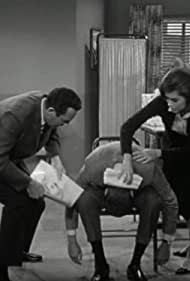 Mary Tyler Moore, Dick Van Dyke, and Jerry Paris in The Dick Van Dyke Show (1961)
