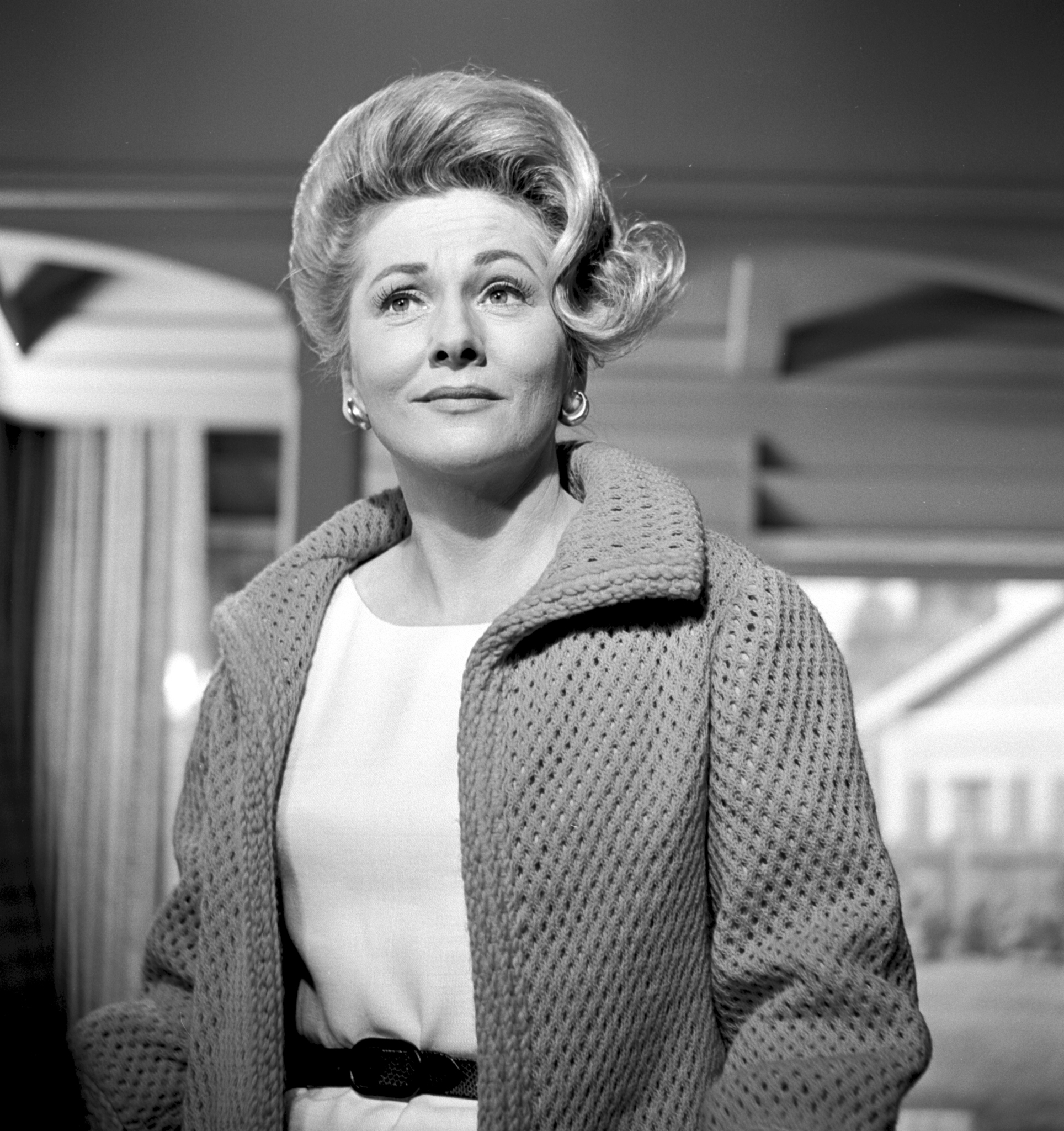 Joan Fontaine in The Alfred Hitchcock Hour (1962)