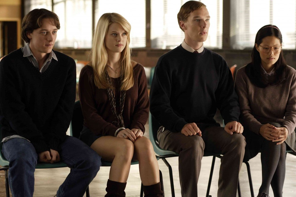James McAvoy, Benedict Cumberbatch, Elaine Tan, and Alice Eve in Starter for 10 (2006)