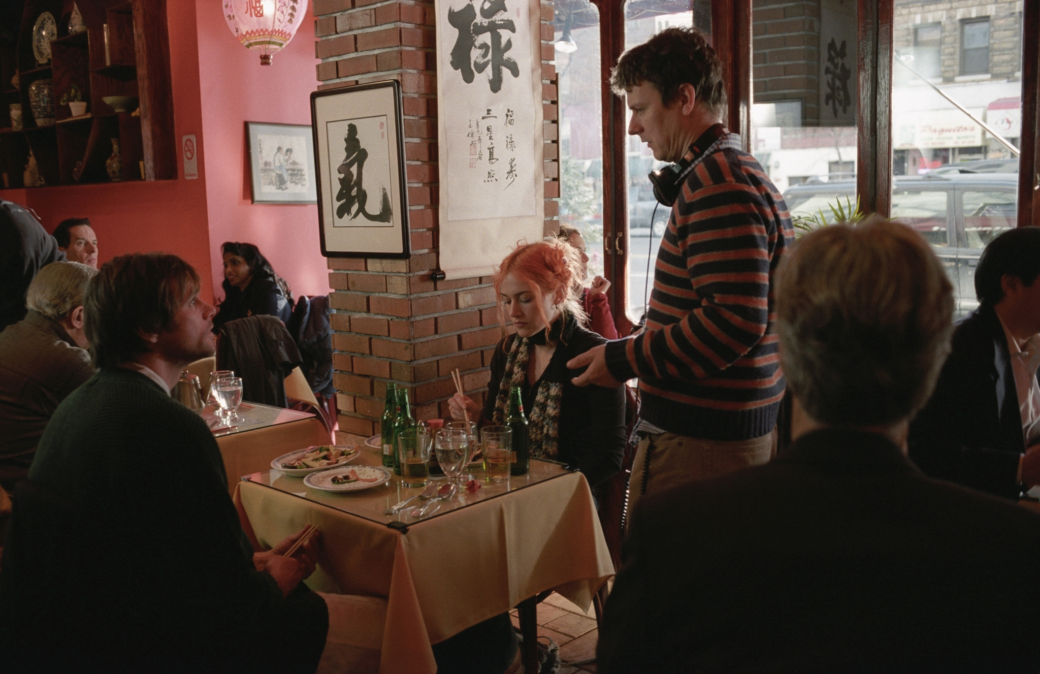 Jim Carrey, Kate Winslet, and Michel Gondry in Eternal Sunshine of the Spotless Mind (2004)