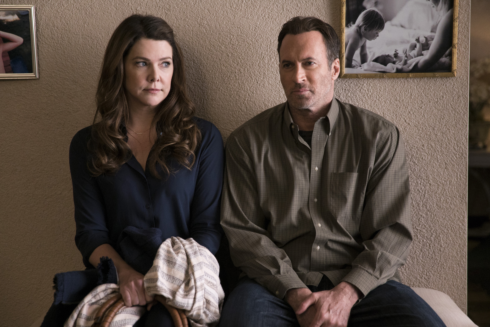 Lauren Graham and Scott Patterson in Gilmore Girls: A Year in the Life (2016)