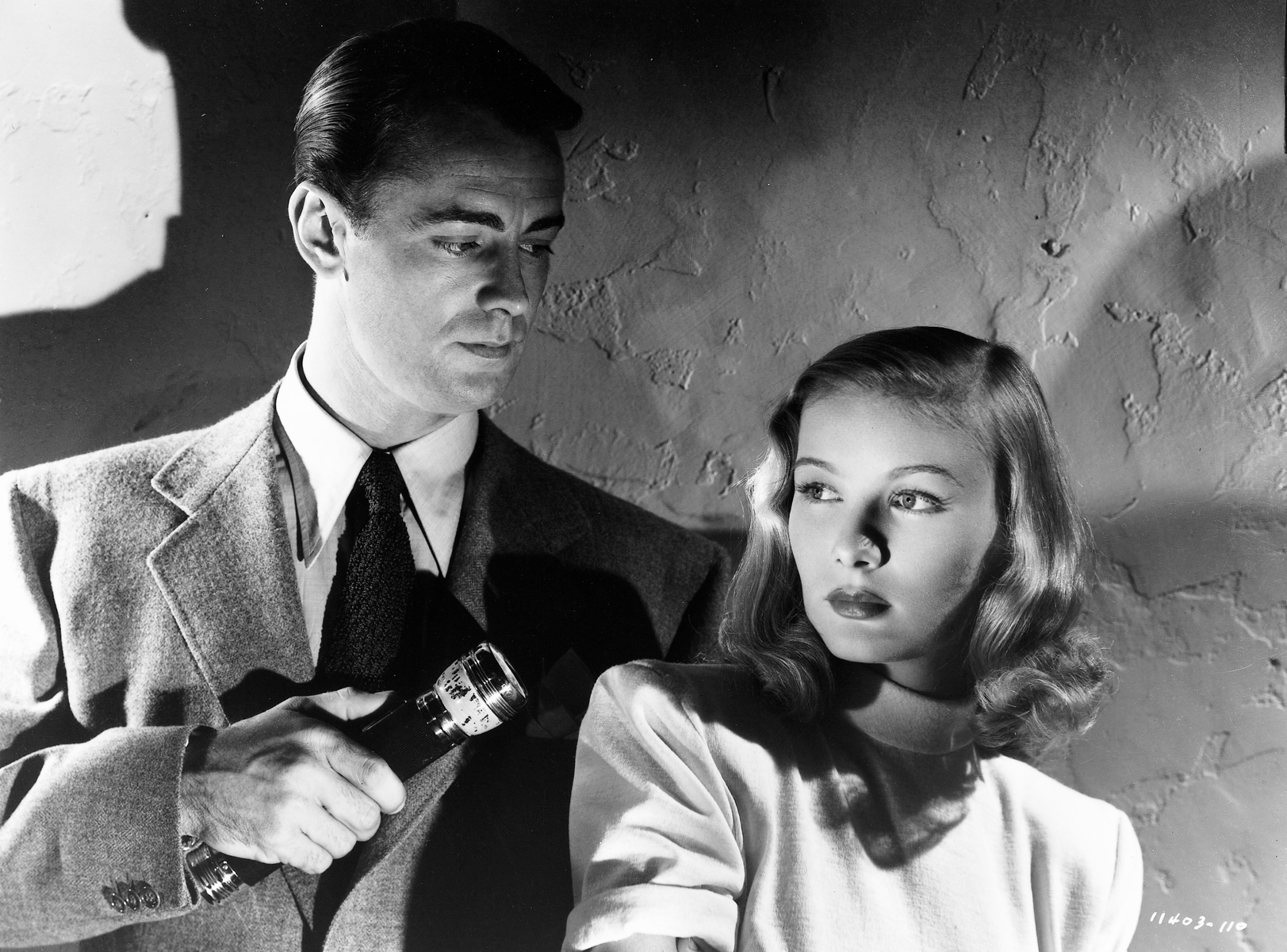 Alan Ladd and Veronica Lake in The Blue Dahlia (1946)