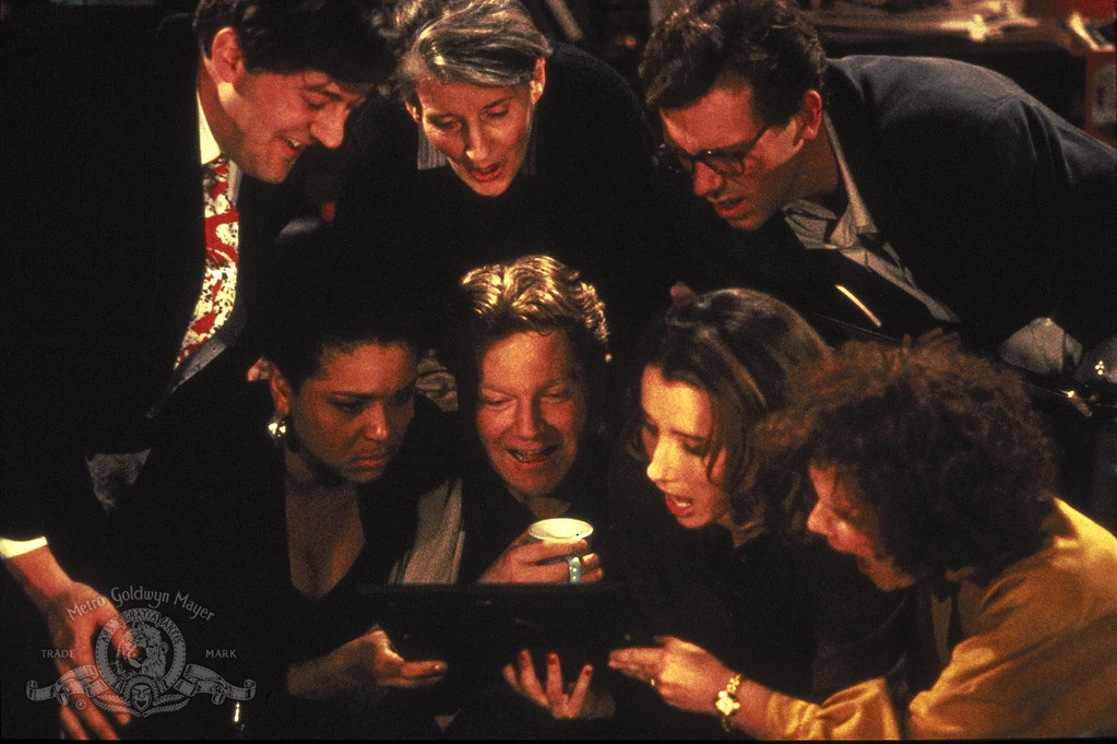 Kenneth Branagh, Stephen Fry, Emma Thompson, Imelda Staunton, Alphonsia Emmanuel, Hugh Laurie, and Phyllida Law in Peter's Friends (1992)