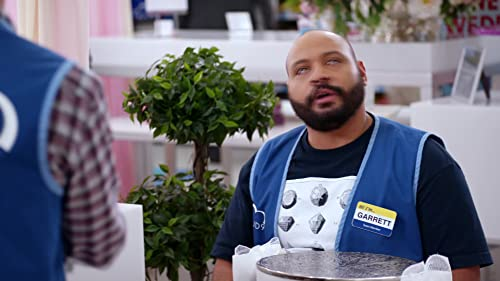 Superstore: Jonah And Garrett Don't See Eye-To-Eye