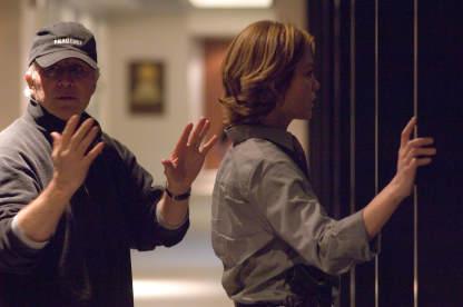 Diane Lane and Gregory Hoblit in Untraceable (2008)
