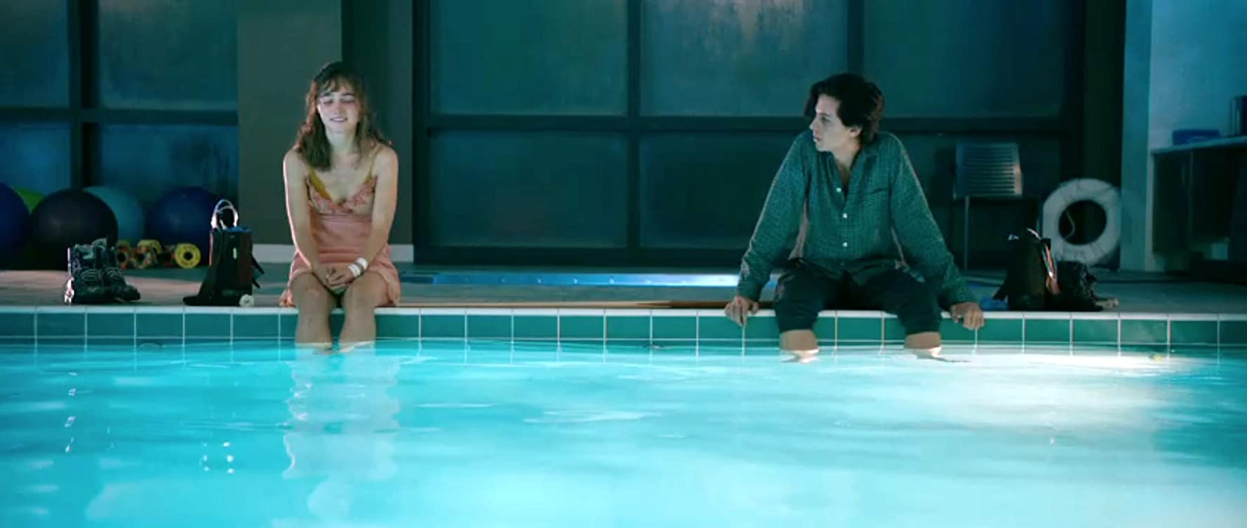 Cole Sprouse and Haley Lu Richardson in Five Feet Apart (2019)