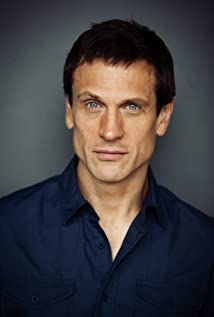 Simon Merrells Picture