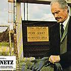 Mel Ferrer in Das Netz (1975)