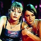 Oksana Akinshina and Elina Benenson in Lilja 4-ever (2002)