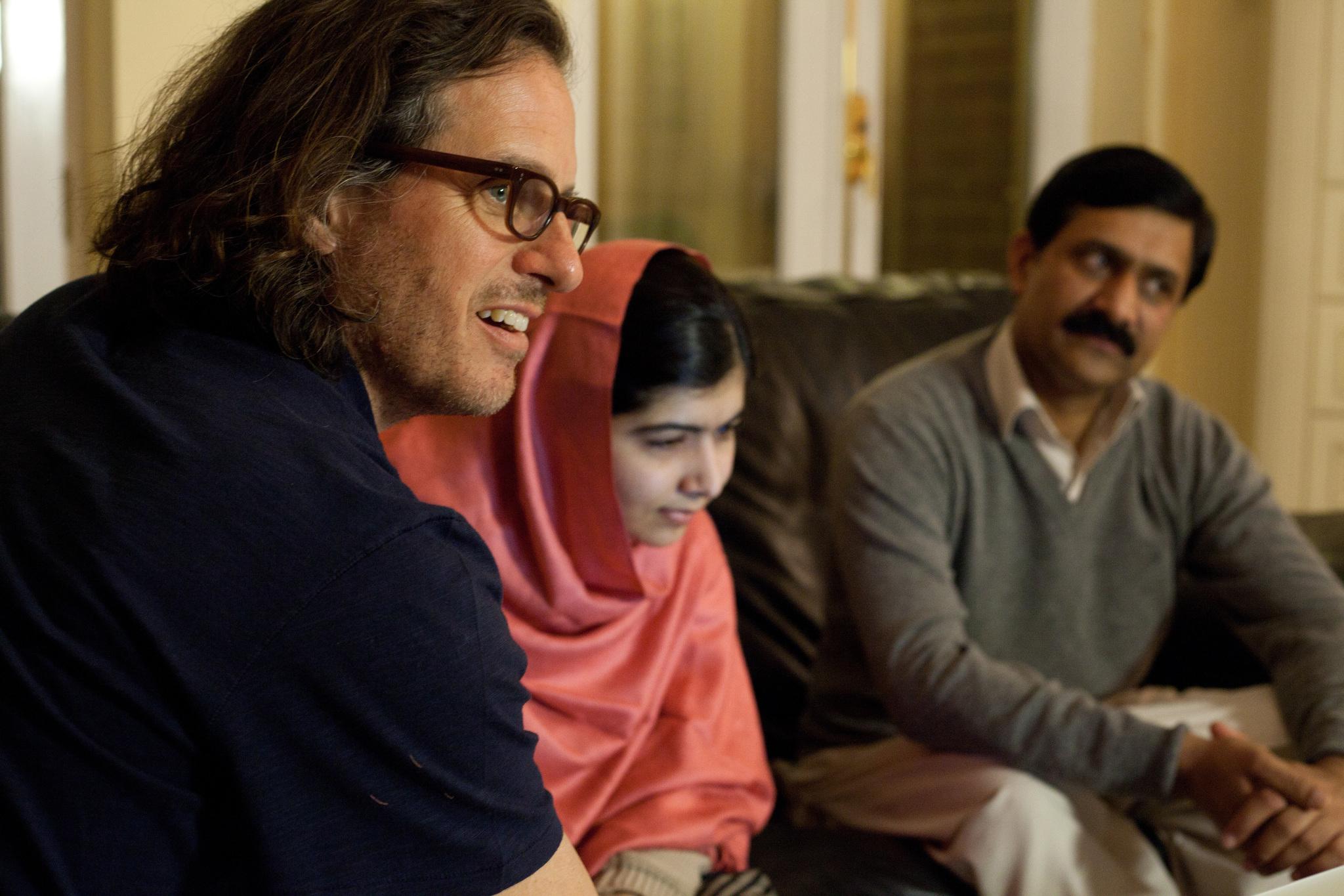 Davis Guggenheim, Malala Yousafzai, and Ziauddin Yousafzai in He Named Me Malala (2015)