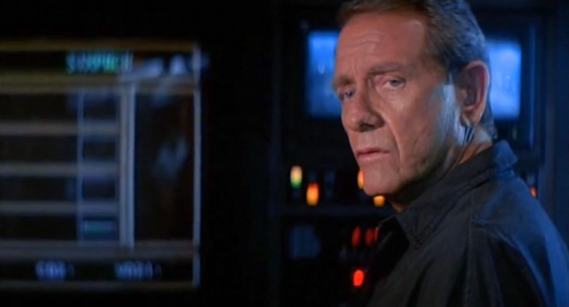 Richard Crenna in Leviathan (1989)