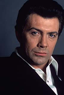 Lewis Collins Picture