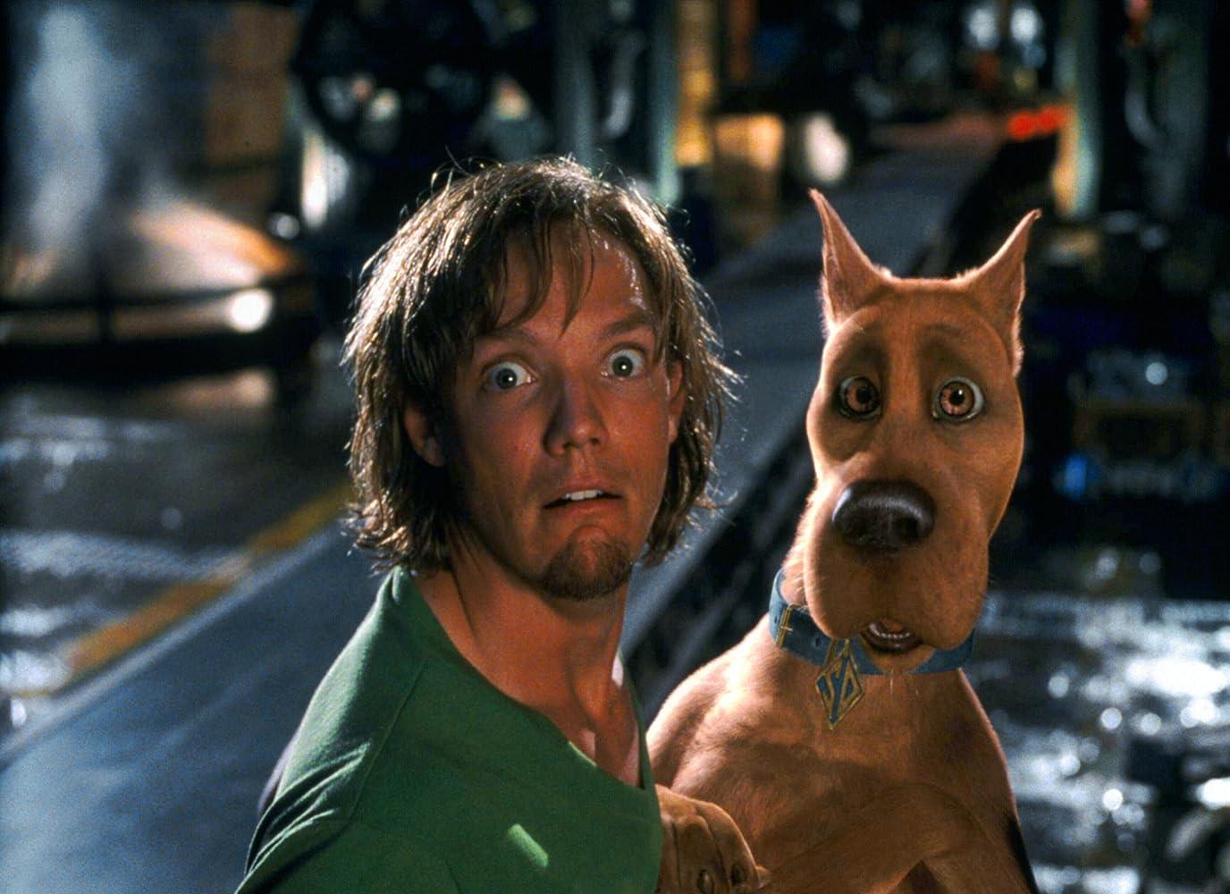 Matthew Lillard and Neil Fanning in Scooby-Doo (2002)