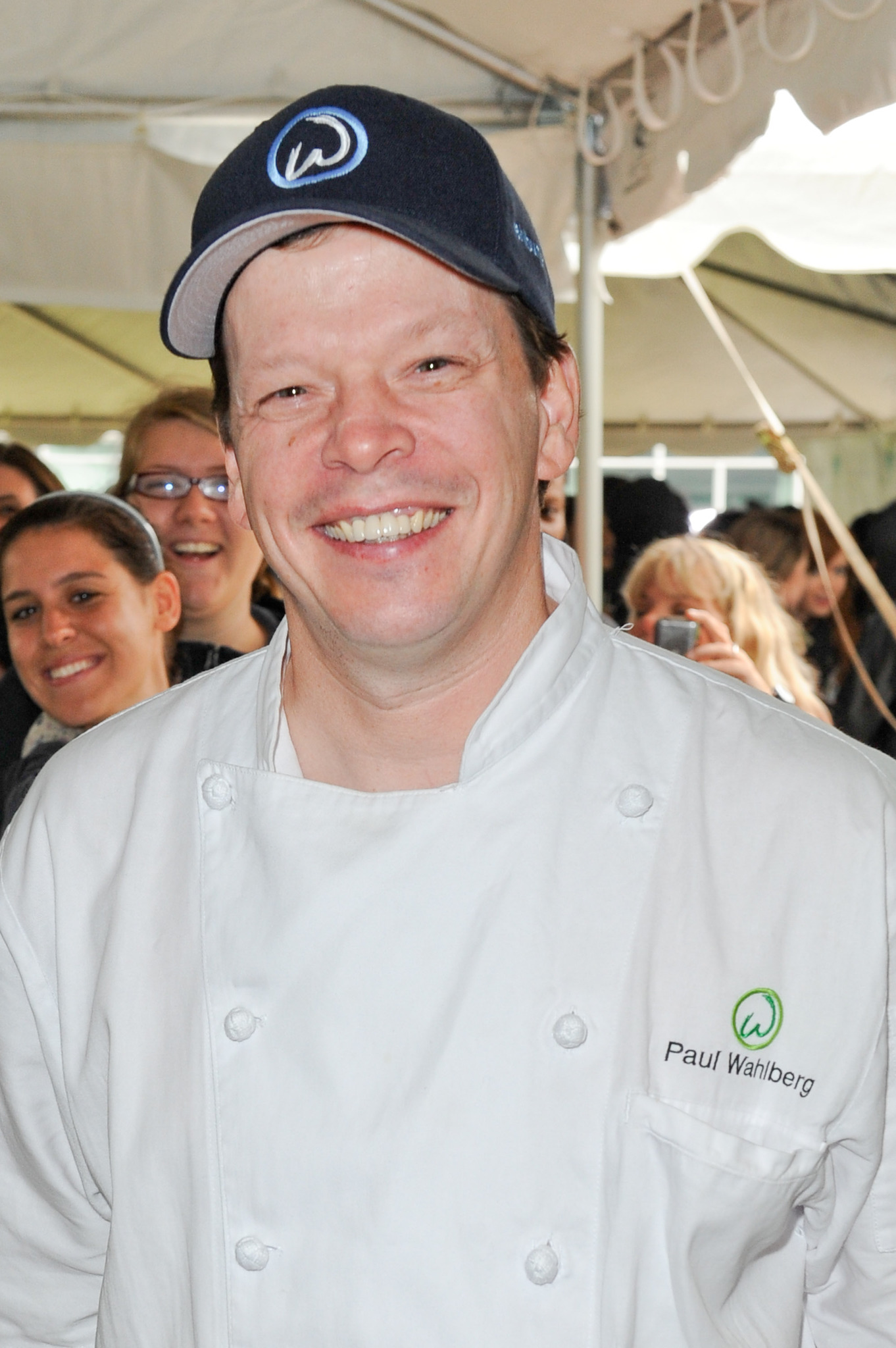 Photo of Alma Wahlberg  & her Son  Paul Wahlberg
