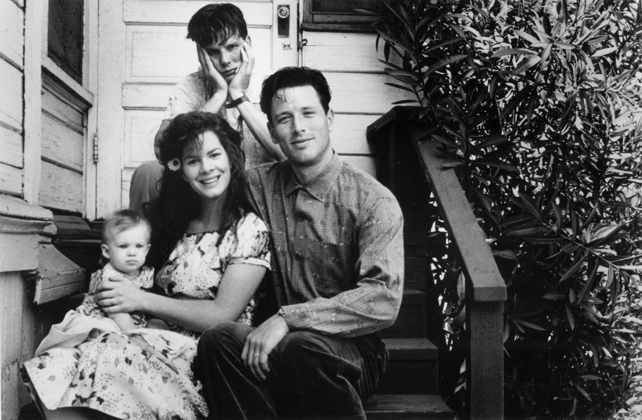 Peter Berg, Marcia Gay Harden, and Brian Wimmer in Late for Dinner (1991)