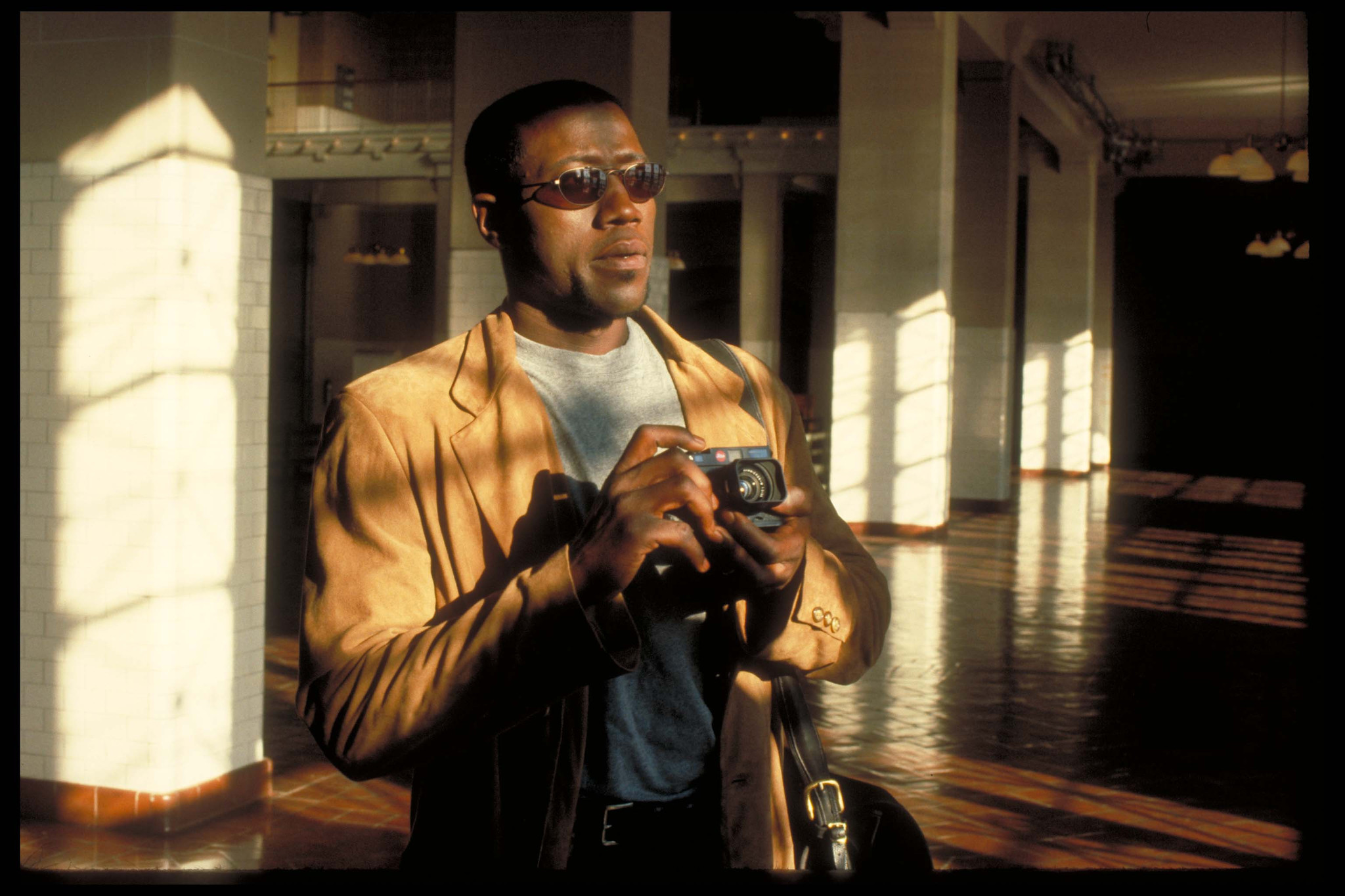 Wesley Snipes in One Night Stand (1997)