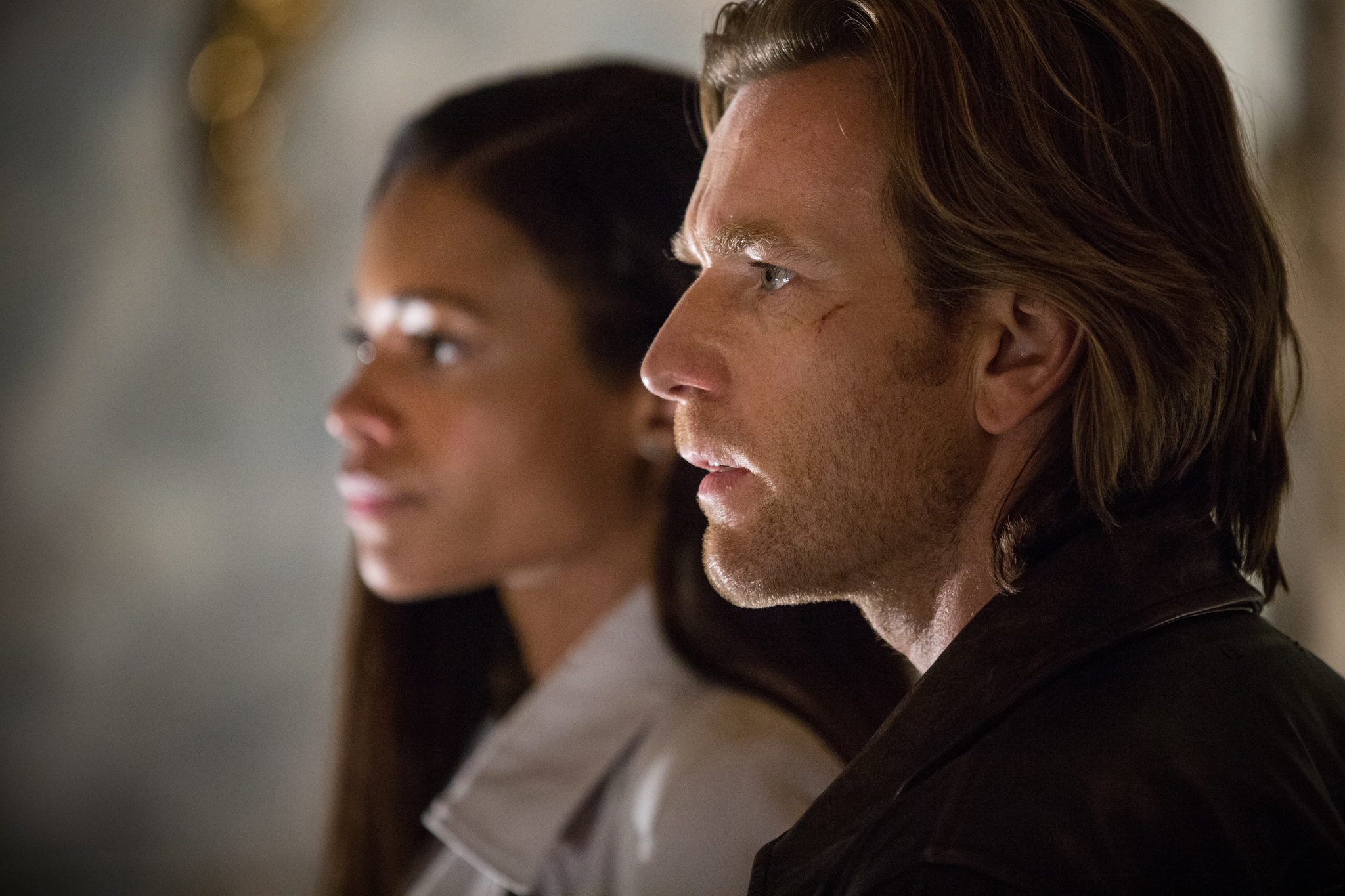 Ewan McGregor and Naomie Harris in Our Kind of Traitor (2016)