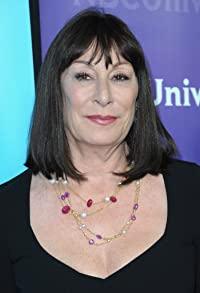 Primary photo for Anjelica Huston