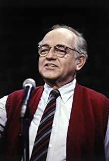 Richard Dysart Picture