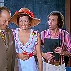Rika Dialyna, Labros Konstadaras, and Panos Vellias in Ti 30... ti 40... ti 50... (1972)