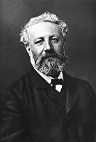 Primary photo for Jules Verne