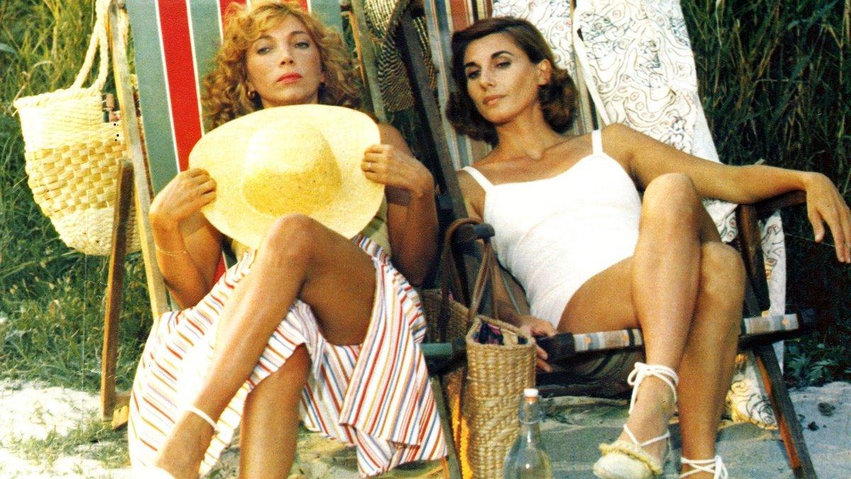Mariangela Melato and Paola Pitagora in Aiutami a sognare (1981)