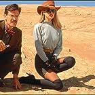 Bruce Campbell and Deborah Foreman in Sundown: The Vampire in Retreat (1989)