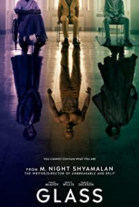 Security guard David Dunn uses his supernatural abilities to track Kevin Wendell Crumb, a disturbed man who has 24 personalities.