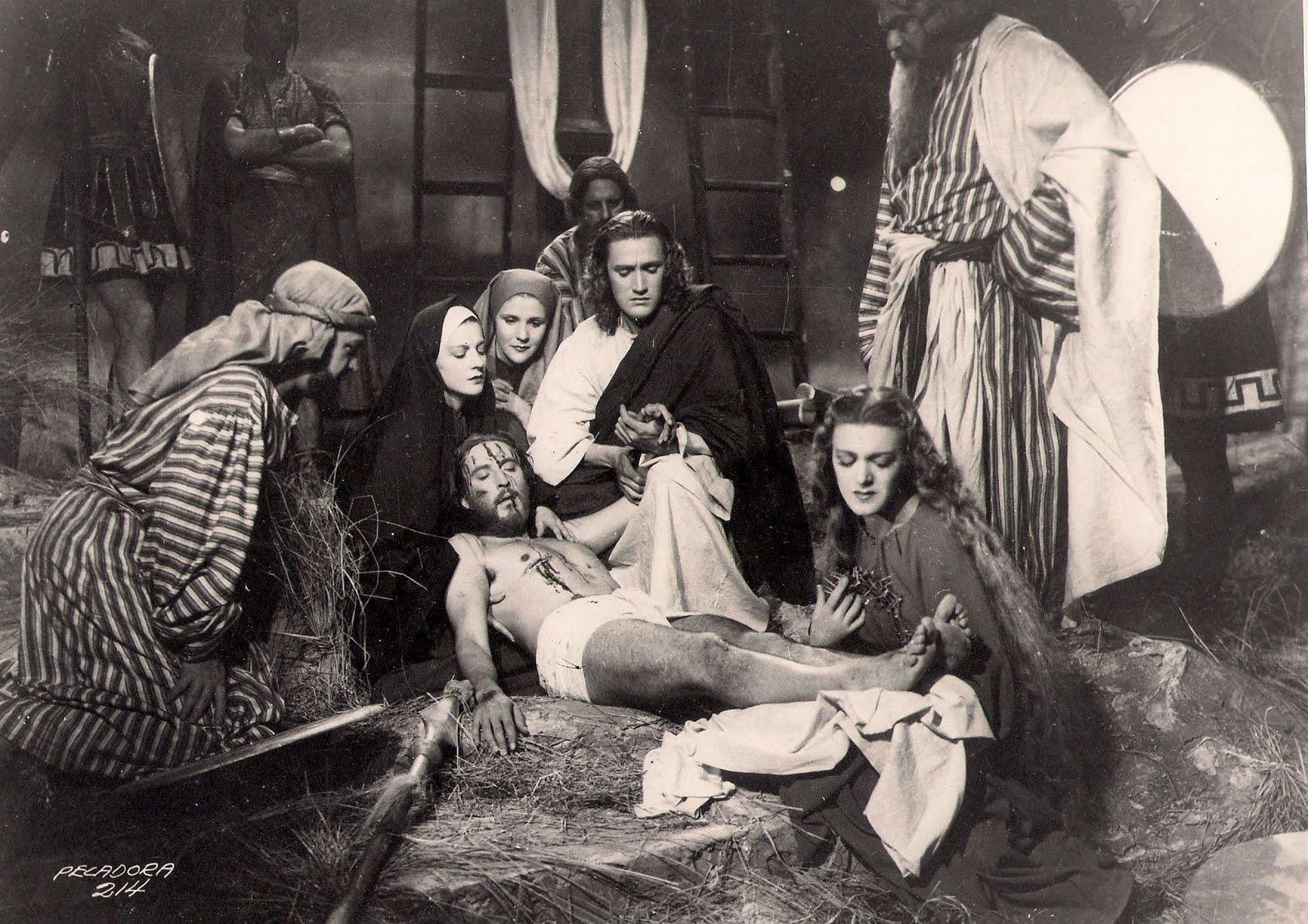 Luana Alcañiz, Luis Alcoriza, Rafael Banquells, Lidia Franco, José Elías Moreno, and Medea de Novara in María Magdalena, pecadora de Magdala (1946)