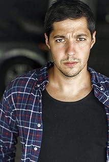 Nick Arapoglou Picture