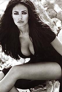 Maria Grazia Cucinotta Picture