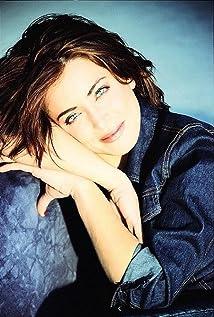 Alanna Ubach Picture