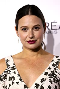 Primary photo for Katie Lowes
