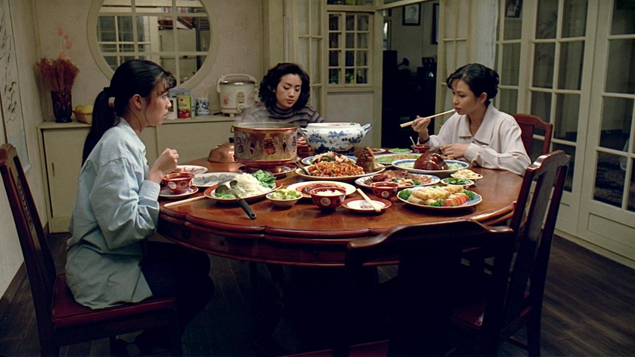 Yu-Wen Wang, Chien-Lien Wu, and Kuei-Mei Yang in Yin shi nan nu (1994)