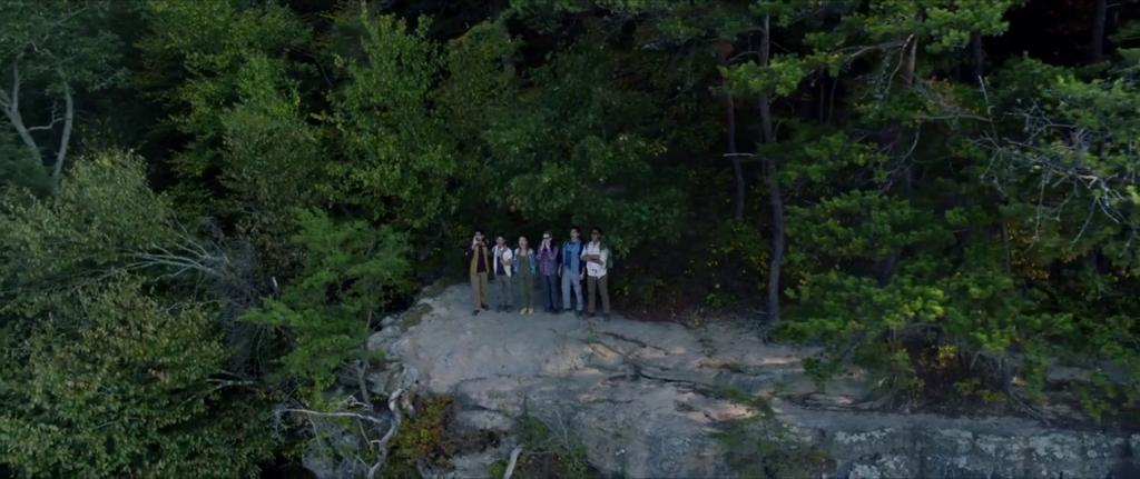 Emma Dumont, Vardaan Arora, Dylan McTee, Adain Bradley, Charlotte Vega, and Adrian Favela in Wrong Turn (2021)
